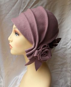 Hey, I found this really awesome Etsy listing at https://www.etsy.com/listing/222704300/cloche-hat-20s-hat-20s-style-hat-felt