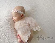 Tan Feder Baby Engelsflügel mit Gold Glitter von LilMissSweetPea