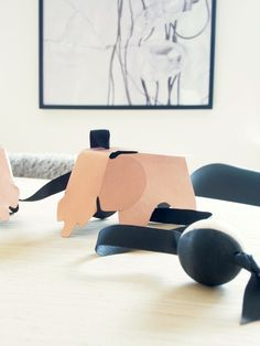 Easy Eames: What would you do with these awesome DIY EAMES elephants? #diy #printable