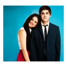 -selena-gomez-and-logan-lerman-2.png (542×500) ❤ liked on Polyvore featuring pictures