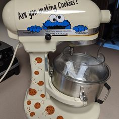 Measurement decal for your stand mixer or other appliance. Includes your name and conversion decals Mother's Day Idea, Kitchen decor Kitchen Aid Mixer, Kitchen Appliances, Paintball Party, Measurement Conversions, Stand Mixer, How To Make Cookies, Learn To Cook, Confectionery, Measuring Spoons