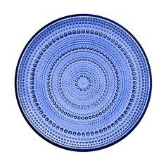 Kastehelmi lautanen 248 mm ultramariinin sininen  Oiva Toikan Kastehelmi-sarja on lasikattauksen klassikko.