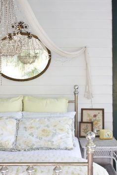 Dutton-Waller Cottage - Bedroom