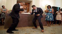 Jimmy Kimmel -  Barack Obama dances like how his jeans look! Let's see h...