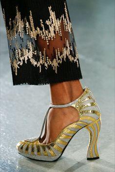Sfilata Rodarte New York - Collezioni Primavera Estate 2016 - Vogue. Scarpe  Col TaccoScarpe ... 51b2e9250b6