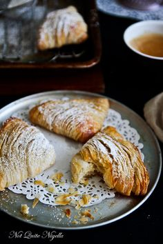 Baked Sfogliatelle (Lobster Tail) with Semolina Ricotta Filling