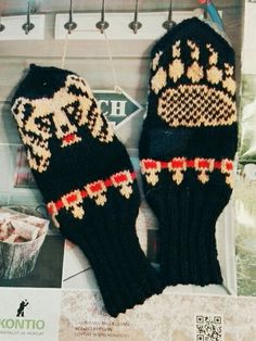 """Olutlapaset"" karhulapaset bearmittens with attitude Attitude, Gloves, Socks, Winter, Handmade, Fashion, Winter Season, Hand Made, Fashion Styles"