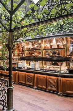 Narbonne y Les Grands Buffets Coffee Shop Design, Cafe Design, House Design, Restaurant Lighting, Cafe Restaurant, Narbonne France, Hotel Buffet, Architecture Restaurant, Shop Facade