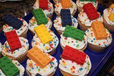 Google Image Result for http://3.bp.blogspot.com/-jWzBnSGDQ4c/Tb9u8K2RRkI/AAAAAAAAVMw/_WaDZQYU6Rs/s400/LEGO%2BCupcakes%2B2.jpg