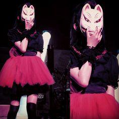 Suzuka with Megitsune mask  #SUMETAL #BABYMETAL...            BABYMETAL TUMBLR BABYMETAL SUMETAL MOAMETAL YUIMETAL JAPAN — Suzuka with Megitsune mask  #SUMETAL #BABYMETAL...{