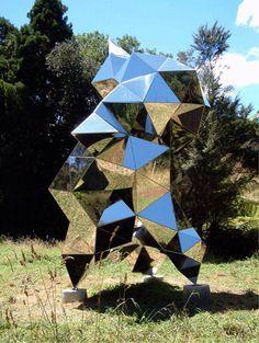 NZ Sculptor Gregor Kregar