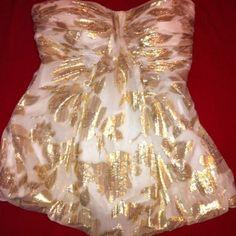 Bebe top size xs White corset too size xs bebe Tops Crop Tops