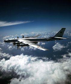 "Tupovlev Tu-95MS - Voyenno-Vozdushnye Sily Rossii (Russian Air Force), Russia (NATO reporting name ""Bear H"""