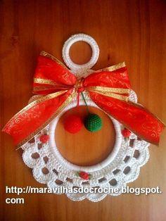 Guirlanda de Natal feito em Croche para decoração....sua medida é 20 cm de diâmetro. Uma Linda Opção decorar a sua casa. A Cor fica a escolha do Cliente.. O Frete é cobrado á parte, para isso mande-me seu CEP , para eu calcular o Pac ou Sedex. Feito por Andrea Zanon. Maravilhas Do Croche R$25,00