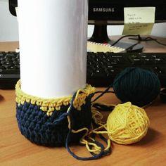 Teknik Rajut : Crochet Benang : Katun Lokal Kuning Kunyit & Biru dongker Kagak abis satu gulung Jenis Tusukan : Tapestry Pola : Ngarang Bebas ( sc, dc, hdc ) Start : 04/05/15 Finish : 05/05/15 …