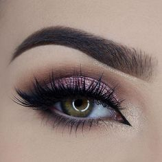 Such a stunning look by @miaumauve using our Chocolate Bon Bons Palette! She used the shades Mocha, Malted, and Cotton Candy! (Chocolate Bon Bons launches on toofaced.com on December 8th.) #toofaced #chocolatebarpalette