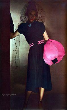 Harper's Bazaar November 1941 - Photo by Louise Dahl-Wolf