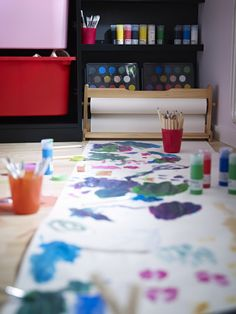 Kids can keep the creativity flowing with the MÅLA table top paper holder and paper roll (sold separately).