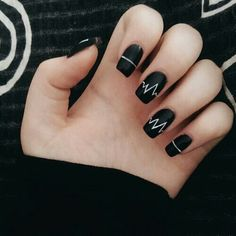 10 'Must-Try' Black and White Nails You Have to See! Edgy Nails, Grunge Nails, Stylish Nails, Black Nails, Trendy Nails, Swag Nails, Matte Black, Acrylic Nails Coffin Short, Simple Acrylic Nails