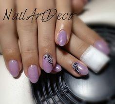 Soft purple, black&white roses