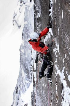 Picture of alpinist Raphael Slawinski climbing Victoria's Secret in British Columbia Alpine Climbing, Ice Climbing, Mountain Climbing, Monte Everest, Rocky Mountain National, National Forest, Everest Base Camp Trek, Adventure Bucket List, Colorado Hiking