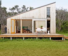 5 trusted types of cladding that will add style to your trusted types of cladding that will add style to your home WHAT IS ROOF CLADDING? Rooftop cladding includes the use of a waterproof layer which is b. Types Of Cladding, Roof Cladding, House Cladding, Timber Cladding, Exterior Cladding, Architecture Design Concept, Clad Home, Shed Homes, Tiny House Cabin