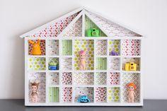 relookage d'une étagère-maisonnette en bois (peinture + jolis papiers)