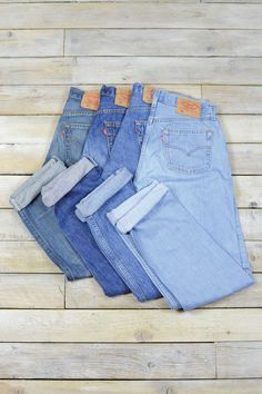 226b845d Find vintage and retro Levi's jeans at Brag Vintage. Free delivery on all  UK orders over with no fuss returns.