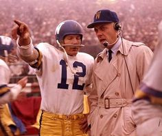 The legendary Bud Grant turned 91 yesterday. Bud with QB Hal Ledyard when he coached the Winnipeg Blue Bombers of the Canadian Football League. Canadian Football League, American Football League, Nfl Football Players, Football Icon, School Football, Sport Football, National Football League, Packers Football, Sports Teams