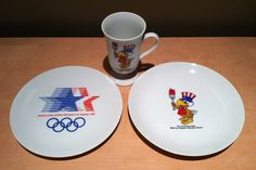 Vintage collectible Olympic souvenir collection from the 1984 Los Angeles Olympic Games with Sam the Olympic Eagle. Includes 2 plates