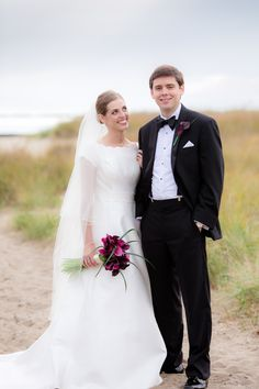 Simple, Cape Cod Wedding at The Borsari Gallery in Dennis, Massachusetts