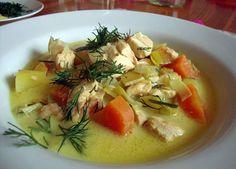 En mättande, enkel och otroligt god laxsoppa. Passar bra som bjudrätt eller vardagslyx. Alla älskar denna soppa och receptet sprids för varje gång den serveras. TRY IT!