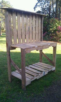 Pallet Gardening Bench. I must make this!