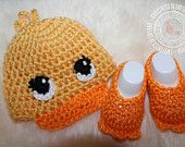 Duck, Baby Duck Hat, Baby Duck Booties, Hat and Bootie Set, Crochet Baby Hat, Crochet Baby Booties, 0 to 3 months, Photo Prop, READY TO SHIP