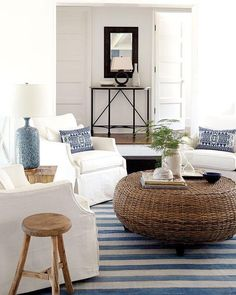 45 Beautiful Coastal Decorating Ideas For Your Inspiration Coastal Bedrooms, Coastal Living Rooms, Living Room Interior, Living Room Decor, Coastal Interior, Coastal Decor, Interior Design, Interior Stairs, Coastal Cottage