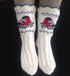 liwes' Bullfinch socks These socks are knitted and the birds are sewn on afterwards Always wanted to discover how to knit, although uncertain w. Crochet Socks, Knit Mittens, Knitting Socks, Baby Knitting, Knit Crochet, Knit Socks, Knitting Projects, Knitting Patterns, Crochet Patterns