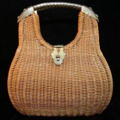 Armored Metal 1960s Wicker Basket Purse http://www.vintagevixen.com/store/pc/Armored-Metal-1960s-Wicker-Basket-Purse-104p45837.htm $28.00 #vintage #purse #handbag #wicker #basketpurse #metal #1960s