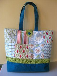 Tote bag using charm squares tutorial #charm-pack #charm-squares #tutorial #sewing-tutorial