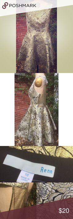 "Renn NWOT Gold Roses Sleeveless Dress 10 Renn Gold Roses Floral Sleeveless Dress, sz 10. New W/out tags. Shell 100% Polyester/contrast 100% Polyamide/Lining 100% Polyester. Laying flat it measures approximately: shoulder to bottom 33"", armpit to armpit 18.5"", waist 15"". Smoke free home. Thanks! Renn Dresses"