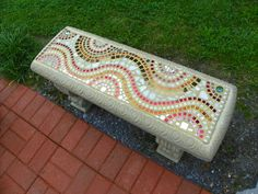 A first cement bench mosaic project. Cement Crafts, Concrete Projects, Mosaic Crafts, Mosaic Projects, Mosaic Wall, Mosaic Glass, Mosaic Tiles, Stained Glass, Cement Bench