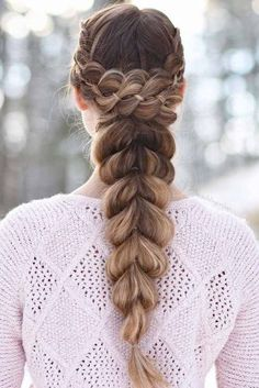 Top 60 All the Rage Looks with Long Box Braids - Hairstyles Trends Box Braids Hairstyles, Cool Hairstyles, Hairstyle Ideas, Teenage Hairstyles, Hair Ideas, Curly Hair Styles, Natural Hair Styles, Halo Braid, Braids For Long Hair