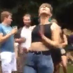 Pin for Later: This Girl Dancing in Mom Jeans Redefines the Notion of Getting Turnt Up