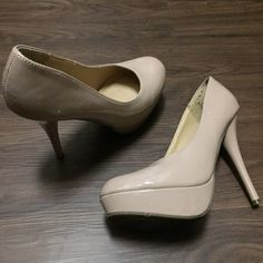 """HP ❤️ Mossimo Patent Nude Round Toe Pumps Gently worn. Some minor scuffs as shown. Nude patent round toe platform pumps. 5"""" heel. 1"""" platform. ❌NO TRADES❌ Mossimo Supply Co Shoes Platforms"""