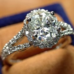 ♥ #Verragio exclusively at #CapriJewelersArizona ~ www.caprijewelersaz.com  ♥ Verragio engagement ring