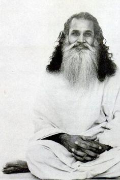 1975: Swami Satchidananda  (vintage yoga photo) ...... #vintageyoga #yogahistory #1970s #yogaworld #om #namaste #yoga
