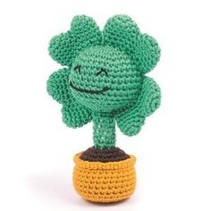 Gratis haakpatroon voor een geluks klavertjevier. Dit patroon komt uit het boek Schattige en leuke knuffels haken met Dendennis, van Dennis van den Brink. Crochet Amigurumi Free Patterns, Crochet Yarn, Crochet Flowers, Crochet Toys, Free Crochet, Crochet Decoration, Crochet Projects, Stitch Patterns, Crafty