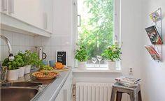 white-sweedish-tiny-interior-apartment