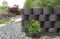 Planting stones: instructions and ideas for your individualized garden design Firewood, Fence, Garden Design, Backyard, Landscape, Wall, Plants, Design Design, Design Ideas
