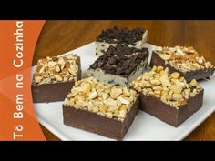 FUDGE - Receita de fudge:derreter em banho maria chocolate meio amargo com leite condensado, colocar na forma e acrescentar as nozes, castanhas, amêndoas..... fácil né ?