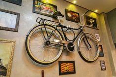Bicicleta antiga faz parte da decoração. (Foto: Marcos Ermínio)
